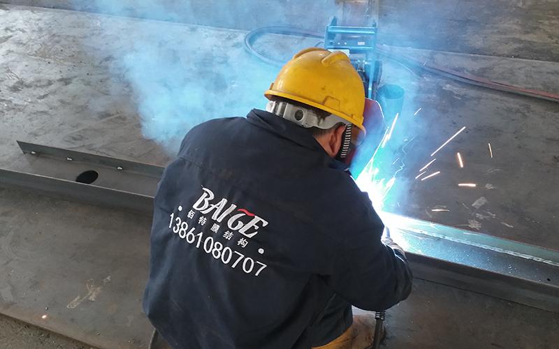 膜结构厂家焊接现场